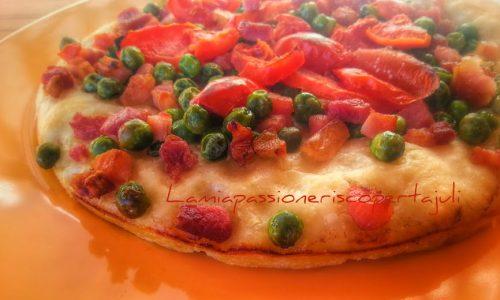 Pizza primavera con piselli e pancetta