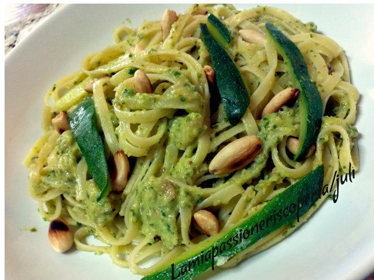 fettuccine con pesto di zucchine
