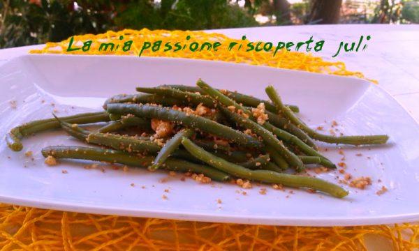 Fagiolini con mollica croccante