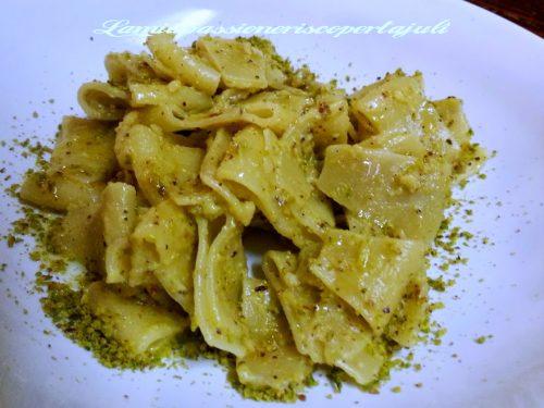 Pasta maltagliati con pistacchi