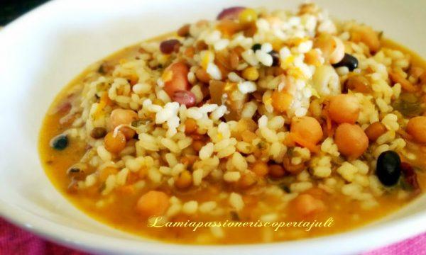 Minestra di riso farro e legumi