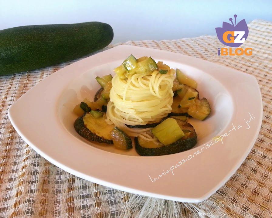 spaghetti zucchine aglio