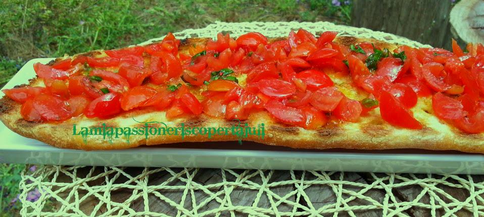 Bruschetta con pomodoro e basilico