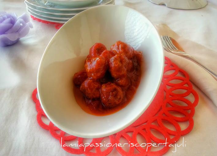 Polpette con salsa di pomodoro