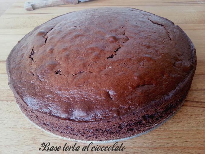 base torta al cioccolato