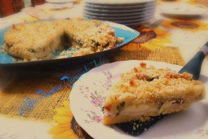 Sbriciolata salata con zucchine scamorza e mozzarella
