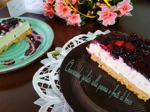 Cheesecake gelato alla panna e frutti di bosco