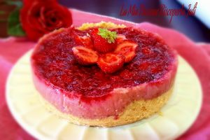 Cheesecake con fragole e gelatina