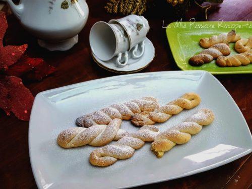 Biscotti torciglioni senza latte e uova