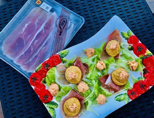 Bigne' salati con Prosciutto di San Daniele
