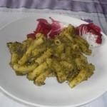 Maccheroni con crema di zucchine e radicchio
