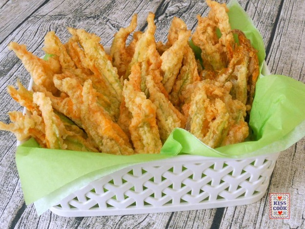 fiori di zucchina fritti