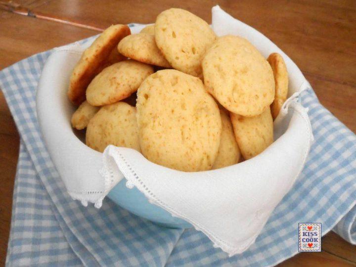 Biscotti morbidi al cioccolato bianco e ricotta