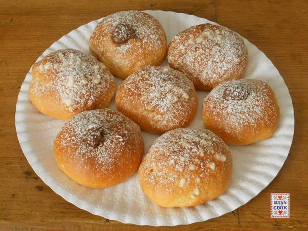Panini dolci all'olio con nutella