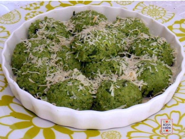 Gnocchi di semolino e spinaci
