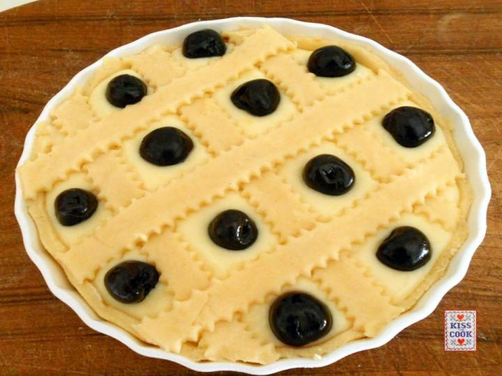 crostata alla crema e amarene sciroppate