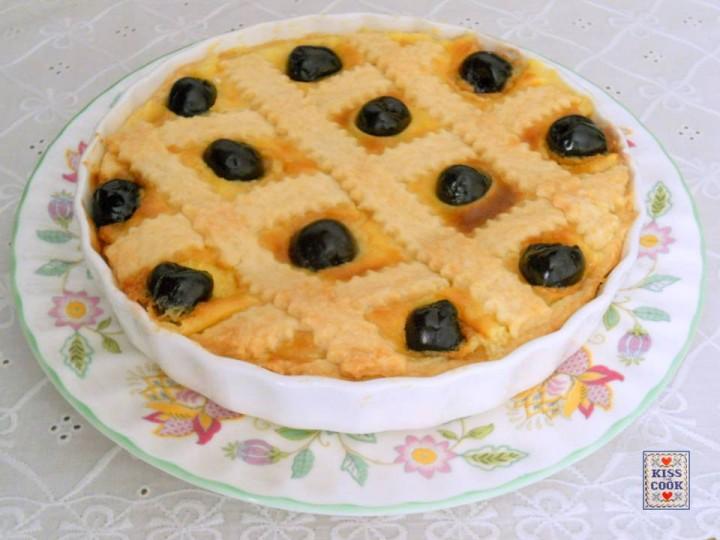 crostata CON crema e amarene sciroppate