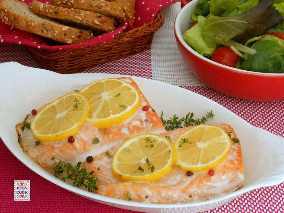 Salmone al forno con curcuma e limone