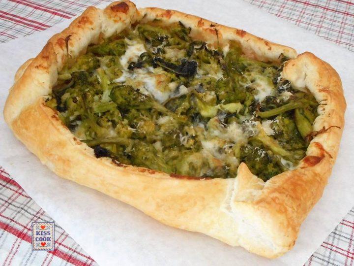 Torta salata con cime di rapa prosciutto e stracchini