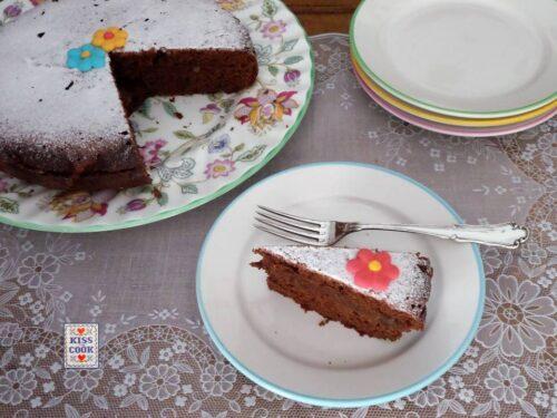 Torta al cioccolato senza zucchero né grassi nell'impasto