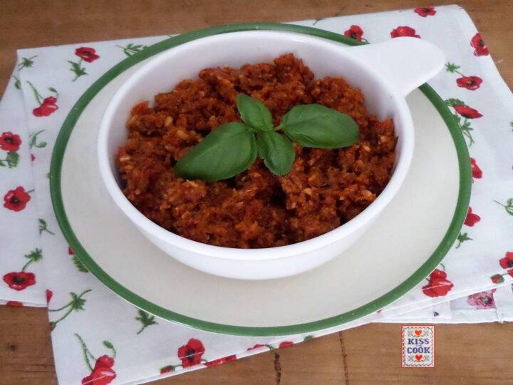 Pesto di pomodori secchi mandorle e basilico