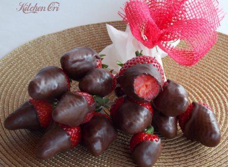 Fragole e cioccolato: il bouquet.