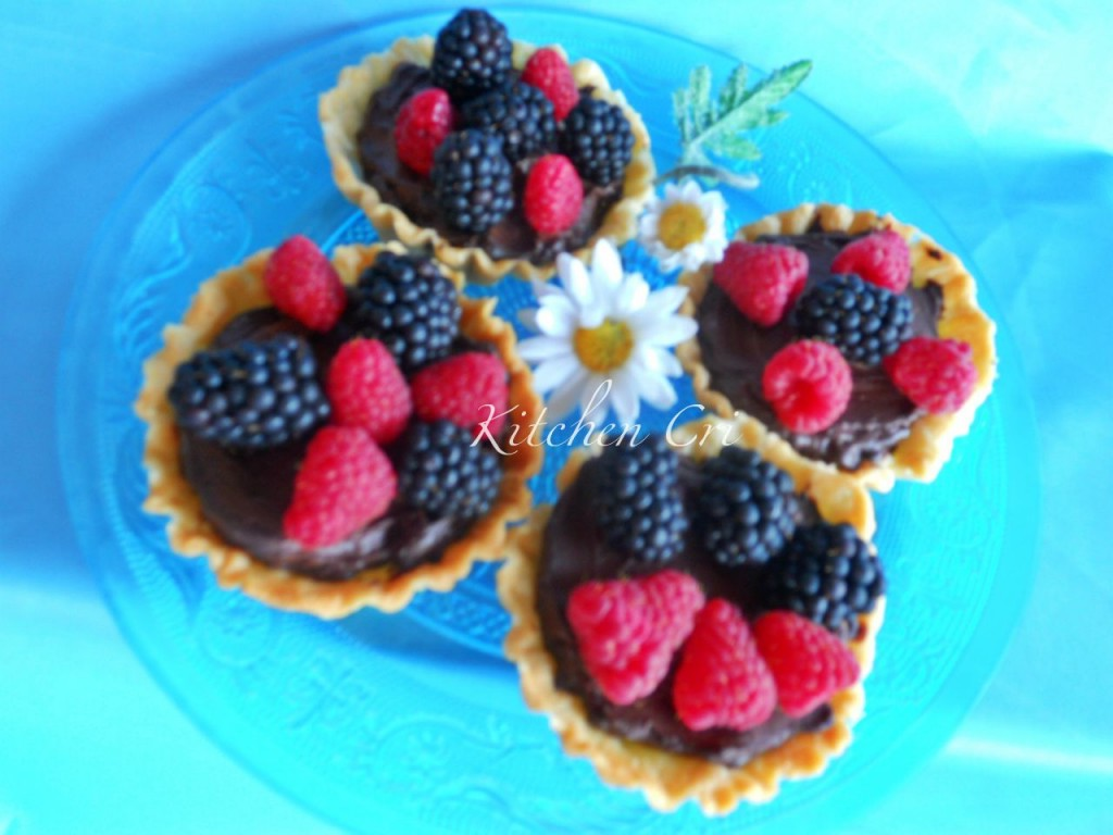 Crostatine cioccolato more e lamponi di kitchen cri2 1024x768 Crostatine con cioccolato more e lamponi