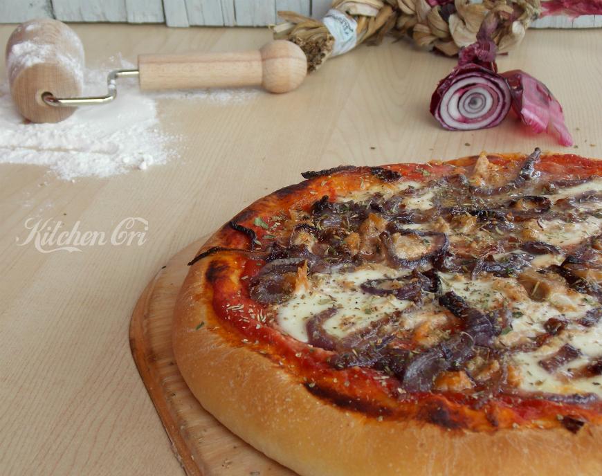 Pizza tonno e cipolla 2