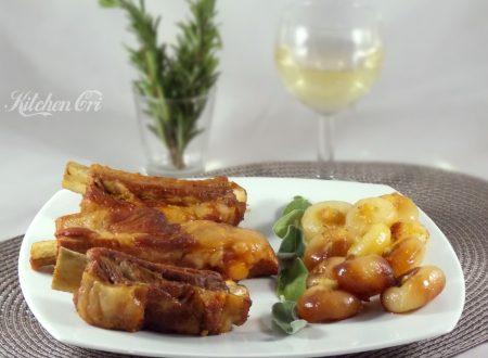 Costine in padella con cipolle, ricetta invernale