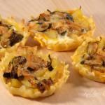 Crostatine di patate e zucchine