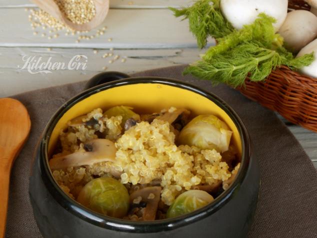 Quinoa funghi e cavoletti