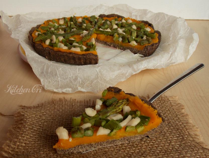 Crostata saracena con zucca e asparagi