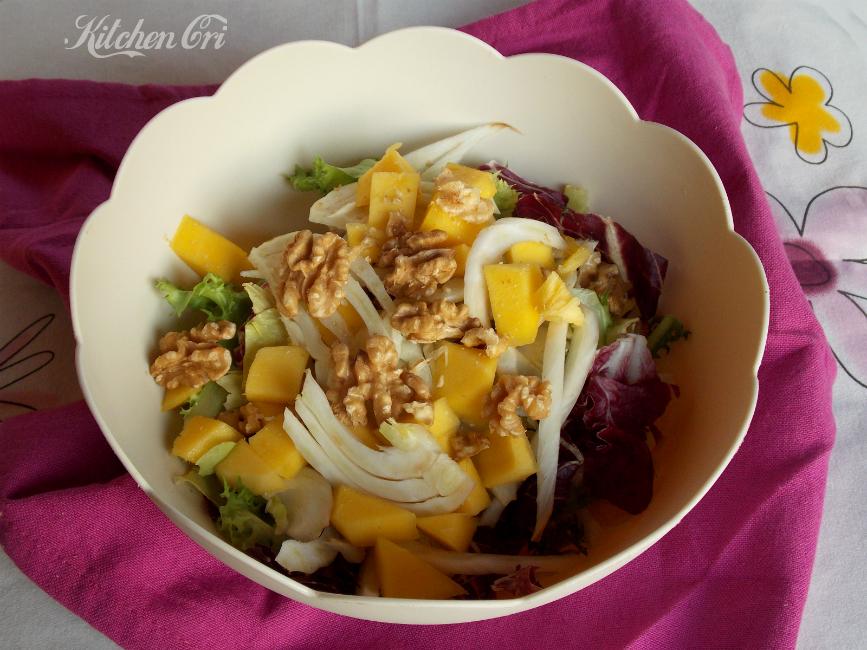 Insalata con mango finocchi e noci