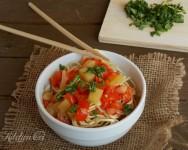 Noodles con patate e peperoni