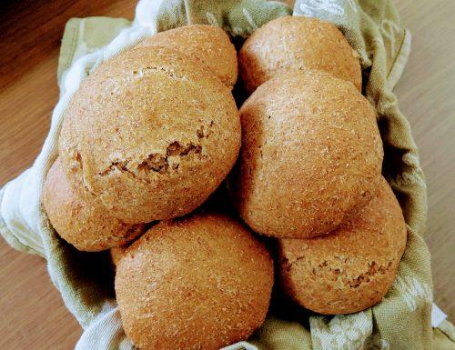 Panini integrali con macchina del pane