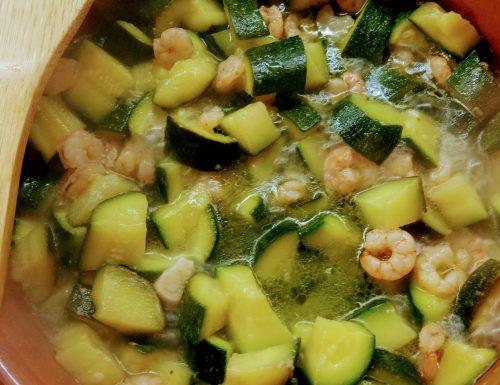 Sughetto con zucchini e gamberetti