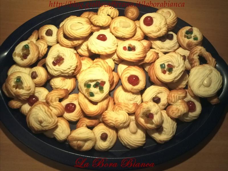 Biscotti viennesi | ricetta con soli albumi | La Bora Bianca