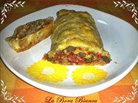 Rotolo di pasta sfoglia con verdure e carne La Bora Bianca