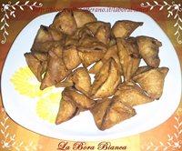 Samosa di verdure (ravioli fritti di verdure) La Bora Bianca