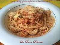Spaghetti con acciughe e pangrattato La Bora Bianca