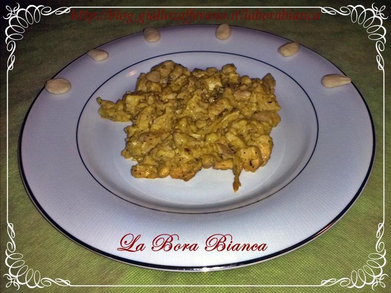 Spezzatino di pollo con salsa all'uovo e mandorle | ricetta spagnola | La Bora Bianca