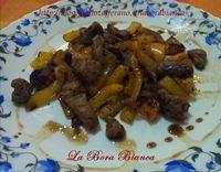 Straccetti di vitello con peperoni - ricetta semplice e veloce La Bora Bianca