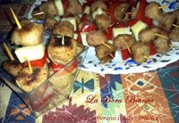 Stuzzichini di salsiccia, peperoni e formaggio - ricetta finger food La Bora Bianca