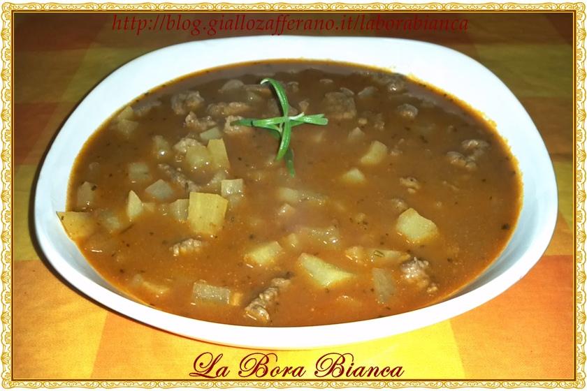 Zuppa di gulasch | ricetta ungherese | La Bora Bianca