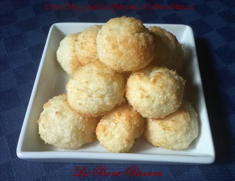 Biscotti al cocco   ricetta con soli albumi   La Bora Bianca