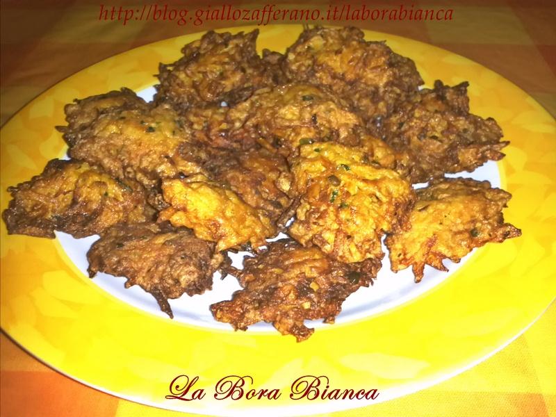Frittelle di carote | ricetta finger food vegetariana | La Bora Bianca