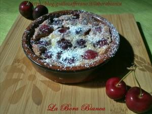 Tortine di ciliegie | ricetta mini clafoutis di ciliegie | La Bora Bianca