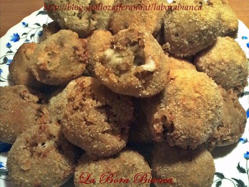 Polpette di melanzane | ricetta finger food vegetariana | La Bora Bianca