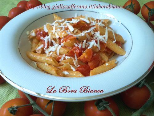 Pasta con pomodorini e ricotta salata, ricetta vegetariana