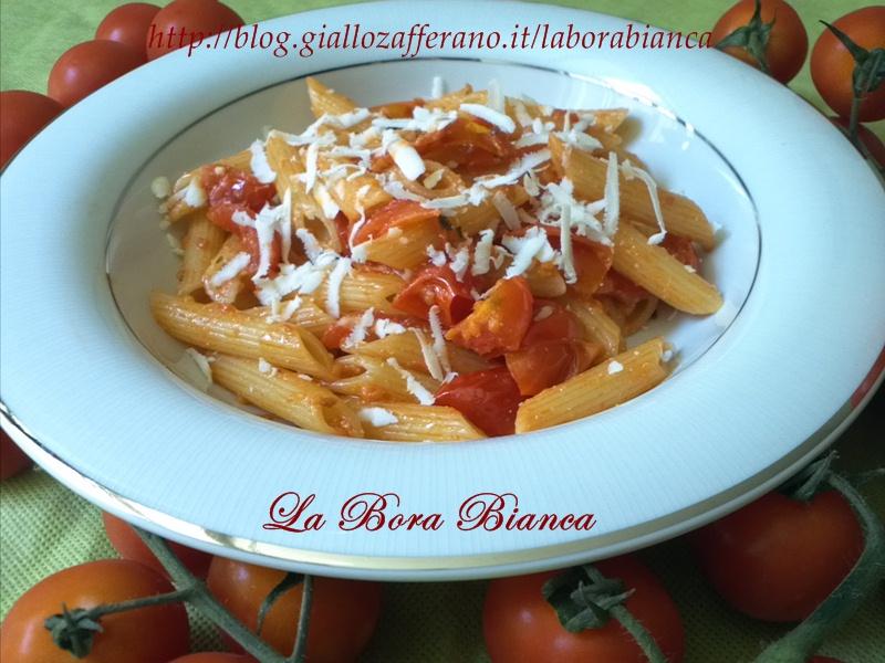 Pasta con pomodorini e ricotta salata   ricetta vegetariana   La Bora Bianca